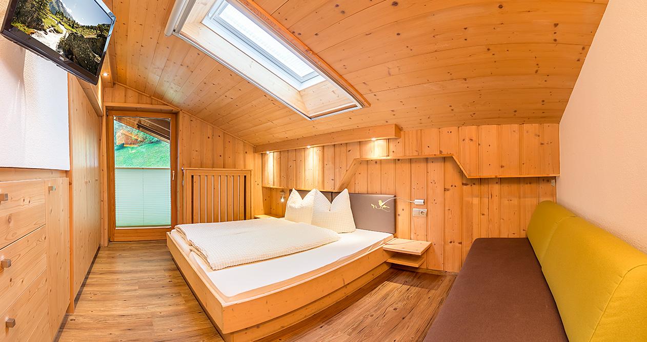 pension sonnleitn neustift im stubaital apartment ferienwohnung zimmer fr hst ck. Black Bedroom Furniture Sets. Home Design Ideas